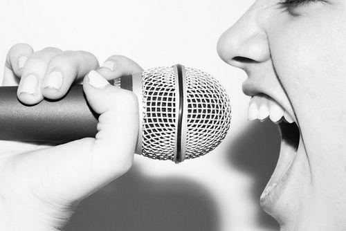 Singing-3-singing-35633120-500-334
